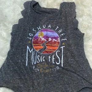 Girls sleeveless tee-never worn!